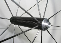 Lightweight front hub